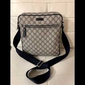 💙 SOLD Gucci Monogram 💙Canvas Crossbody Bag